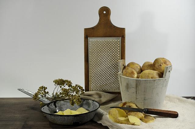 loupání brambor