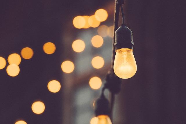 světla žároviček.jpg